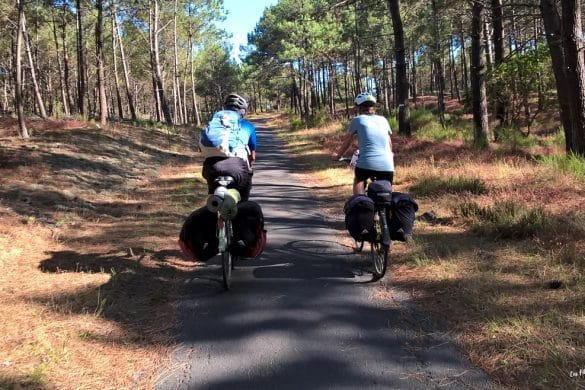 cyclistes piste cyclable atlantique