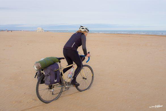 vélo plage méditerranée