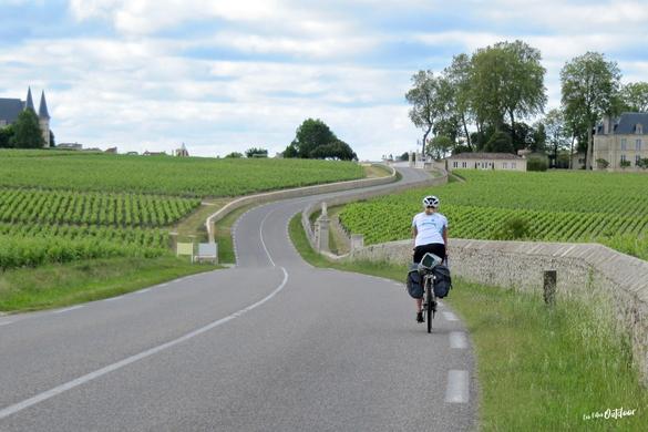 route des châteaux du médoc à vélo